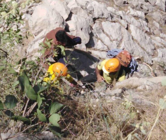 نجات مرد 39 ساله در ارتفاعات سوق کهگیلویه