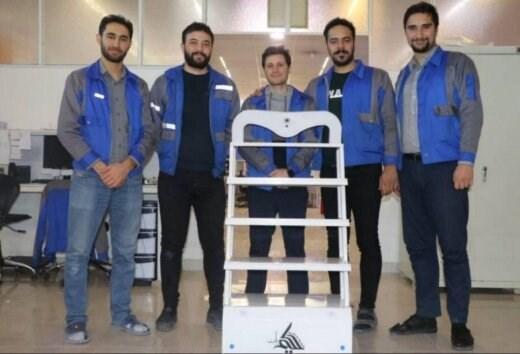 روباتی که مانع از انتقال کرونا به کادر درمان می شود، حکیم در رکاب پزشکان
